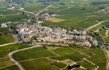 Saint-Émilion au milieu de son vignoble, 33 Gironde, rég. Aquitaine