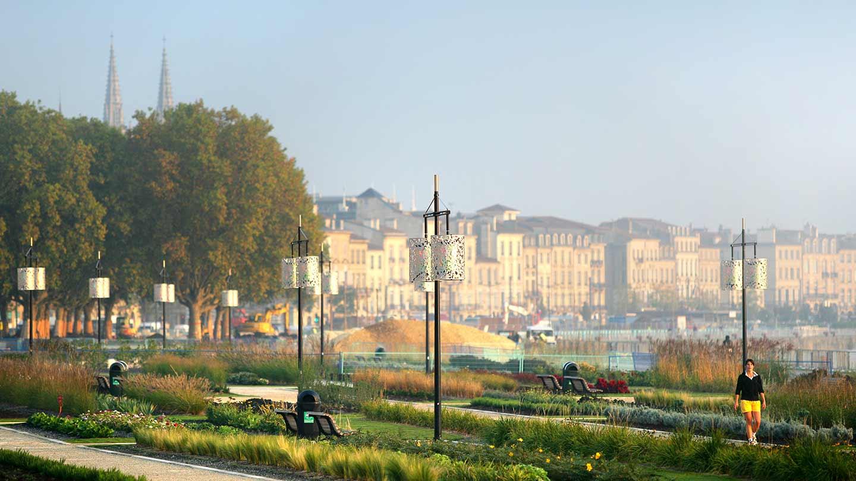 Les routes du vin de bordeaux bordeaux porte du vignoble gironde tourisme - Office de tourisme de gironde ...