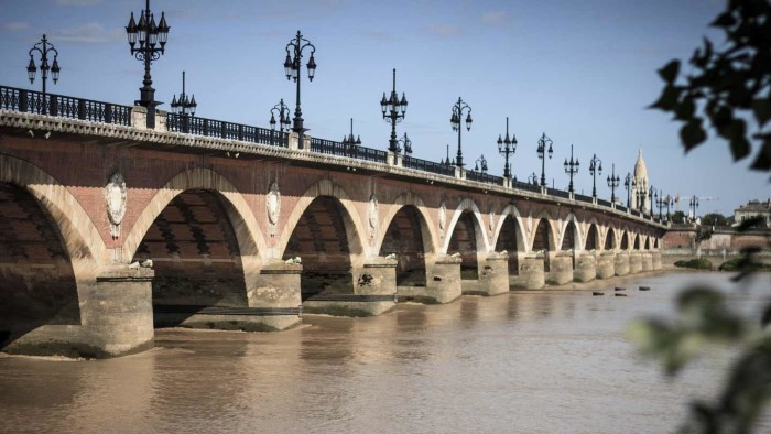 Pont de pierre Bordeaux © D.remazeilles - Gironde Tourisme