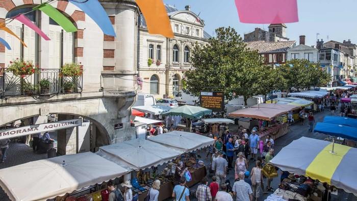 Marché de Saint Foy la Grande © Gironde Tourisme - JB. Nadeau