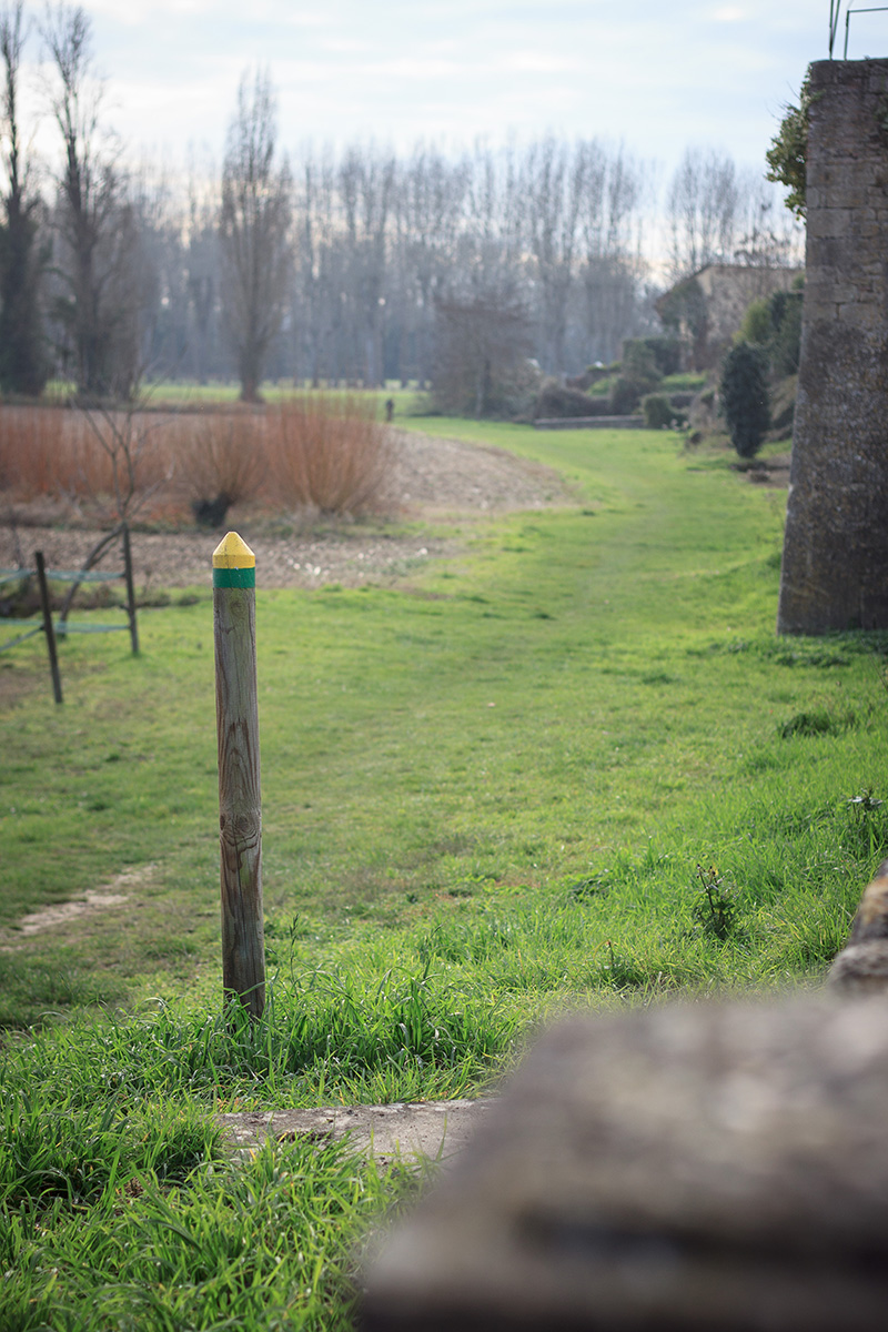 Chemin de randonnée - Saint-Macaire ©D. Remazeilles (Gironde Tourisme)