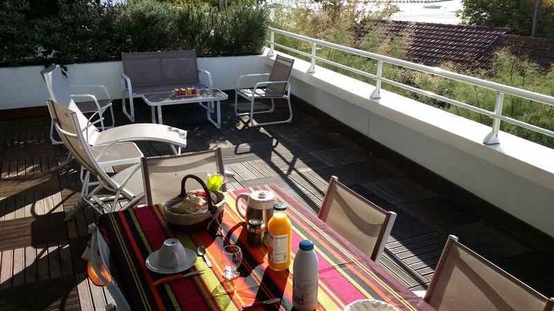 11-espace-terrasse-au-petit-matin–resultat