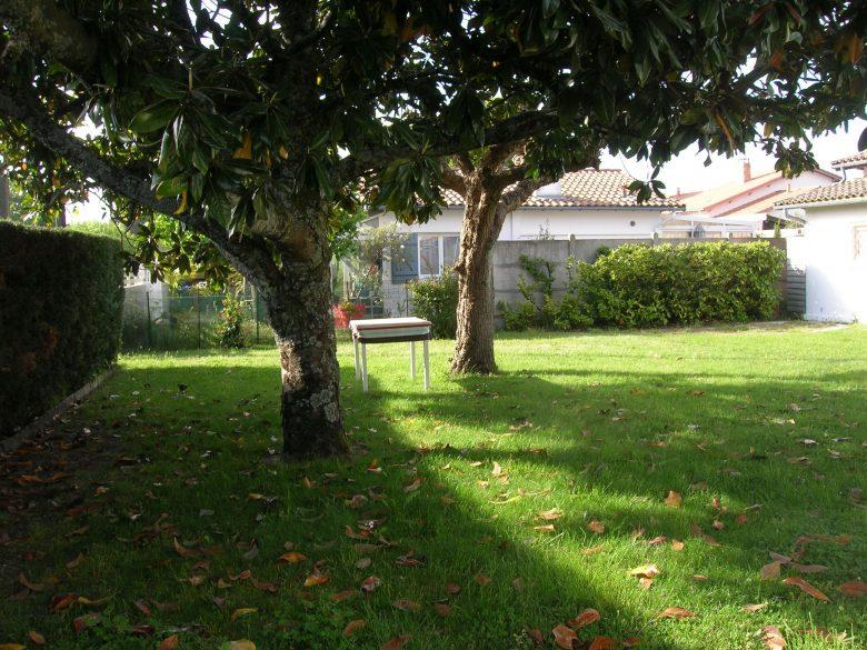 Andernos-jardin-cote-garage