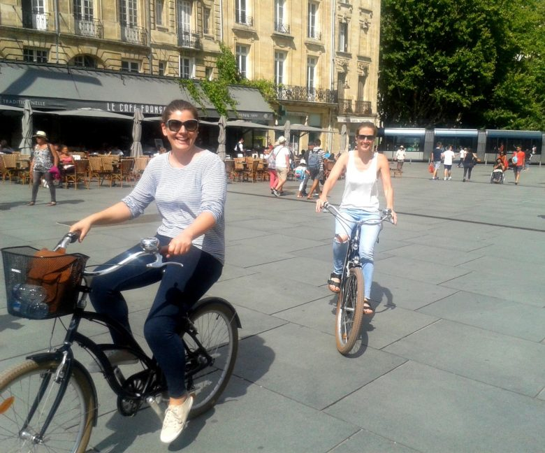 Bordeaux-Tour-Bike-lovely-day