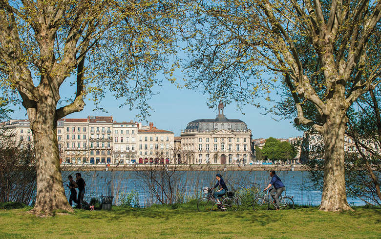 Bordeaux-a-Bicyclette_format_780x490