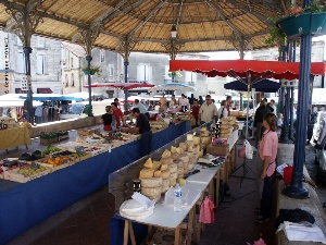 Marché dominical de Bourg