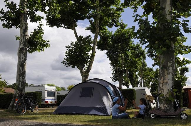 Camping Les abberts Famille tente – Arès©Les abberts –