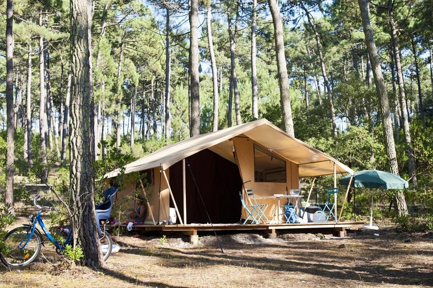 Camping-coben les pins-carcans-bungalow toilé -©Camping Indigo – R.Etienne