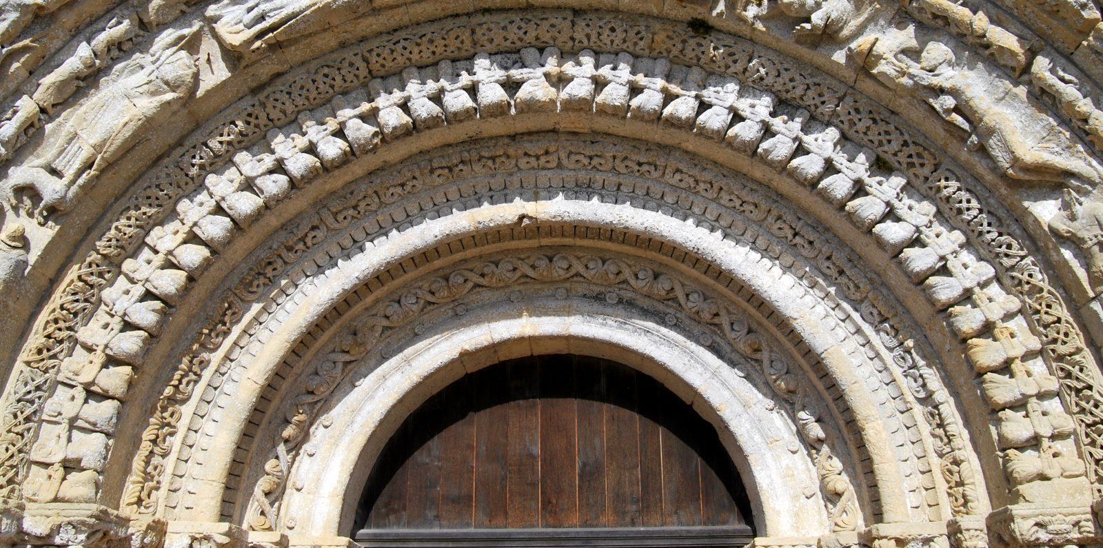 Castelviel église Notre-Dame portail