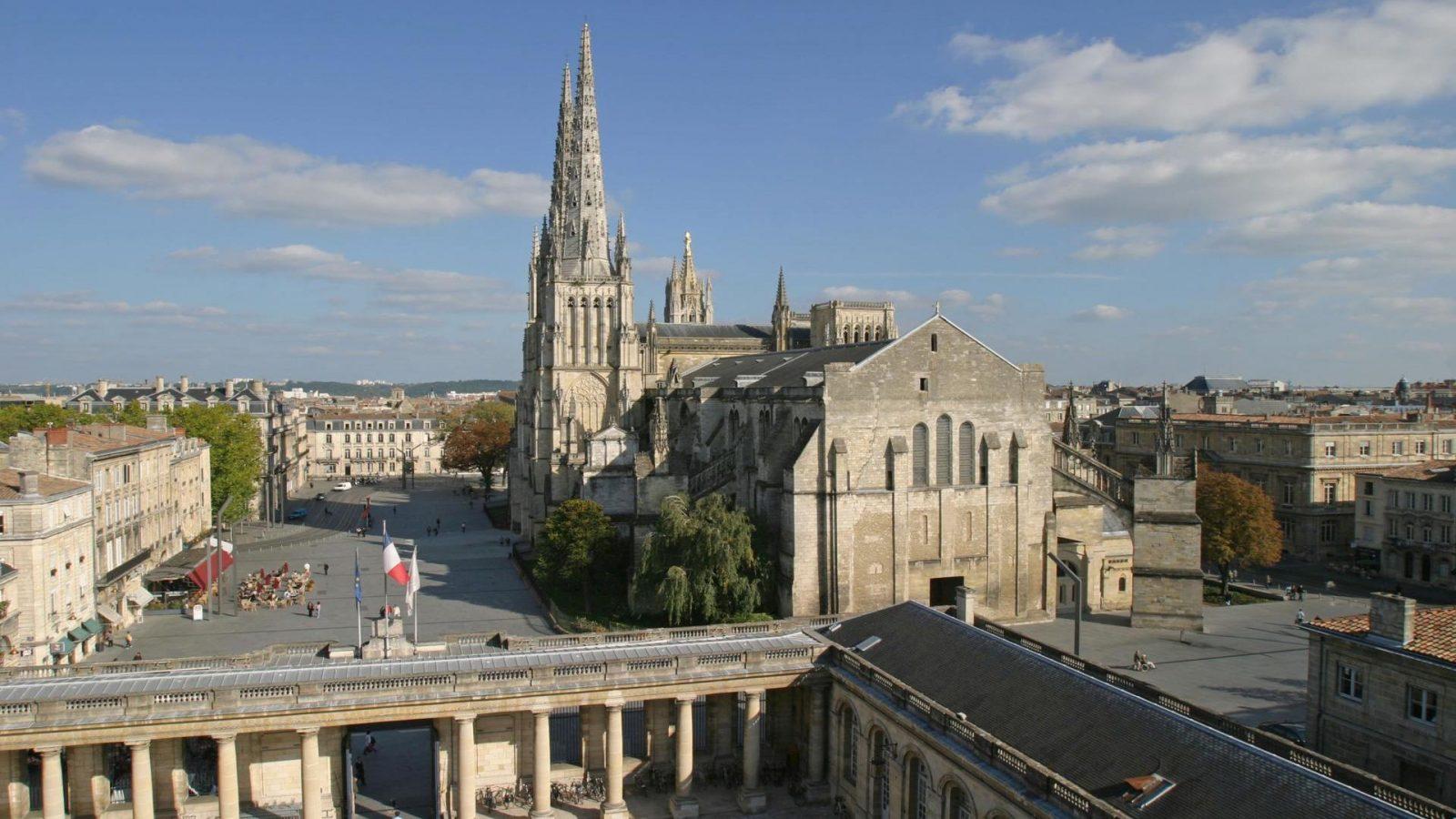 Cathedrale Saint-Andre – façade du portail Ouest