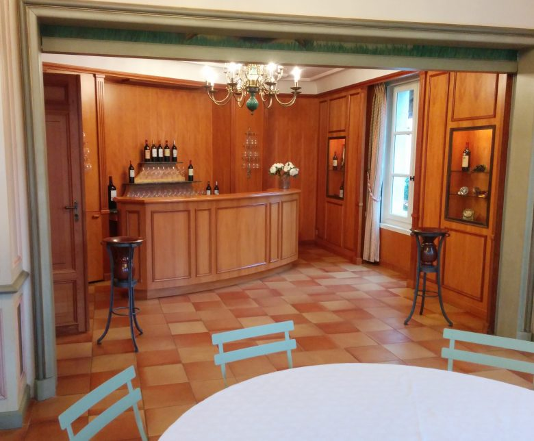 Chateau-Haut-Bergey–2-