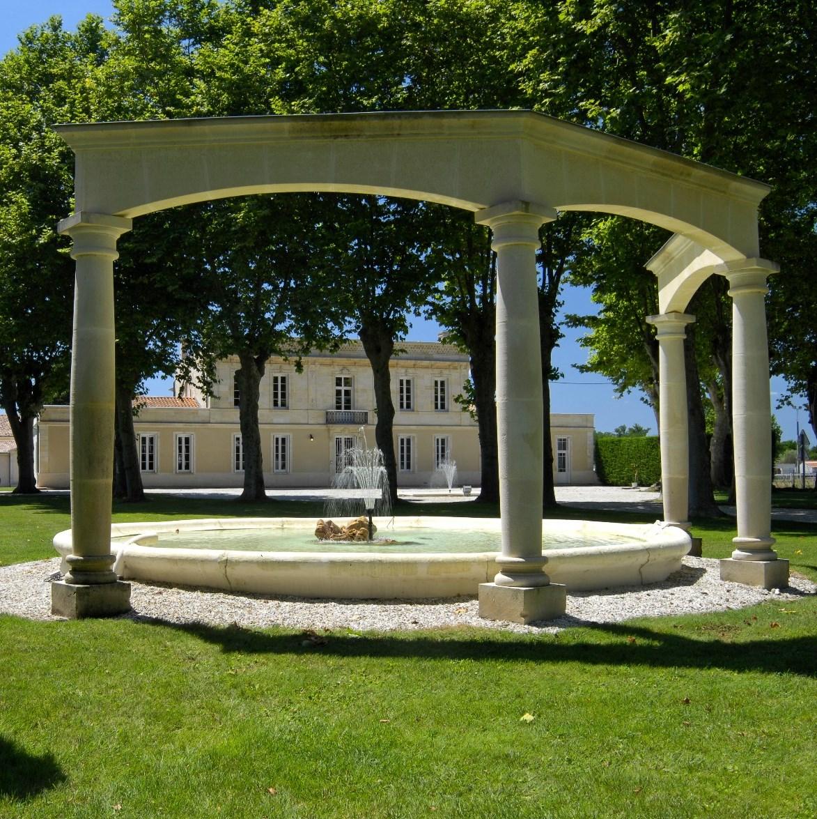 Château Haut Breton Larigaudière – Trianon