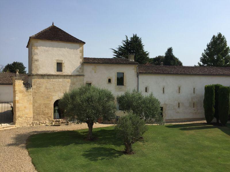 Chateau Petit Puch 3