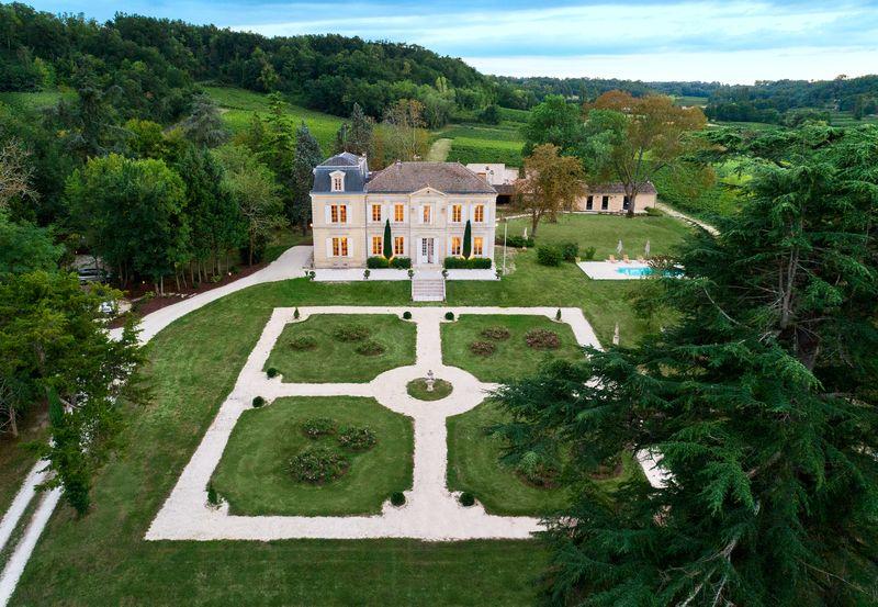 Chateau-de-Garde-10