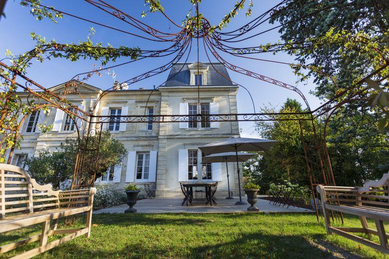 Chateau-de-Garde-4