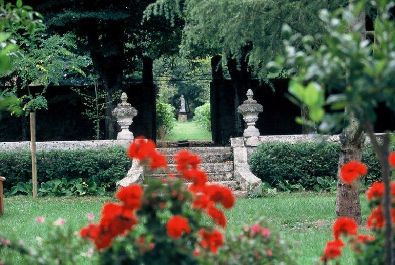 Destination Garonne, les Jardins du Château de Mongenan, Portets
