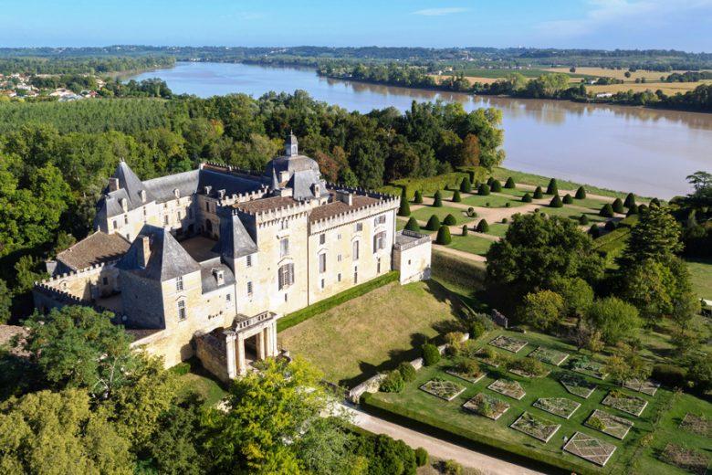 Château-de-Vayres–vue-aérienne-depuis-un-drone_w2