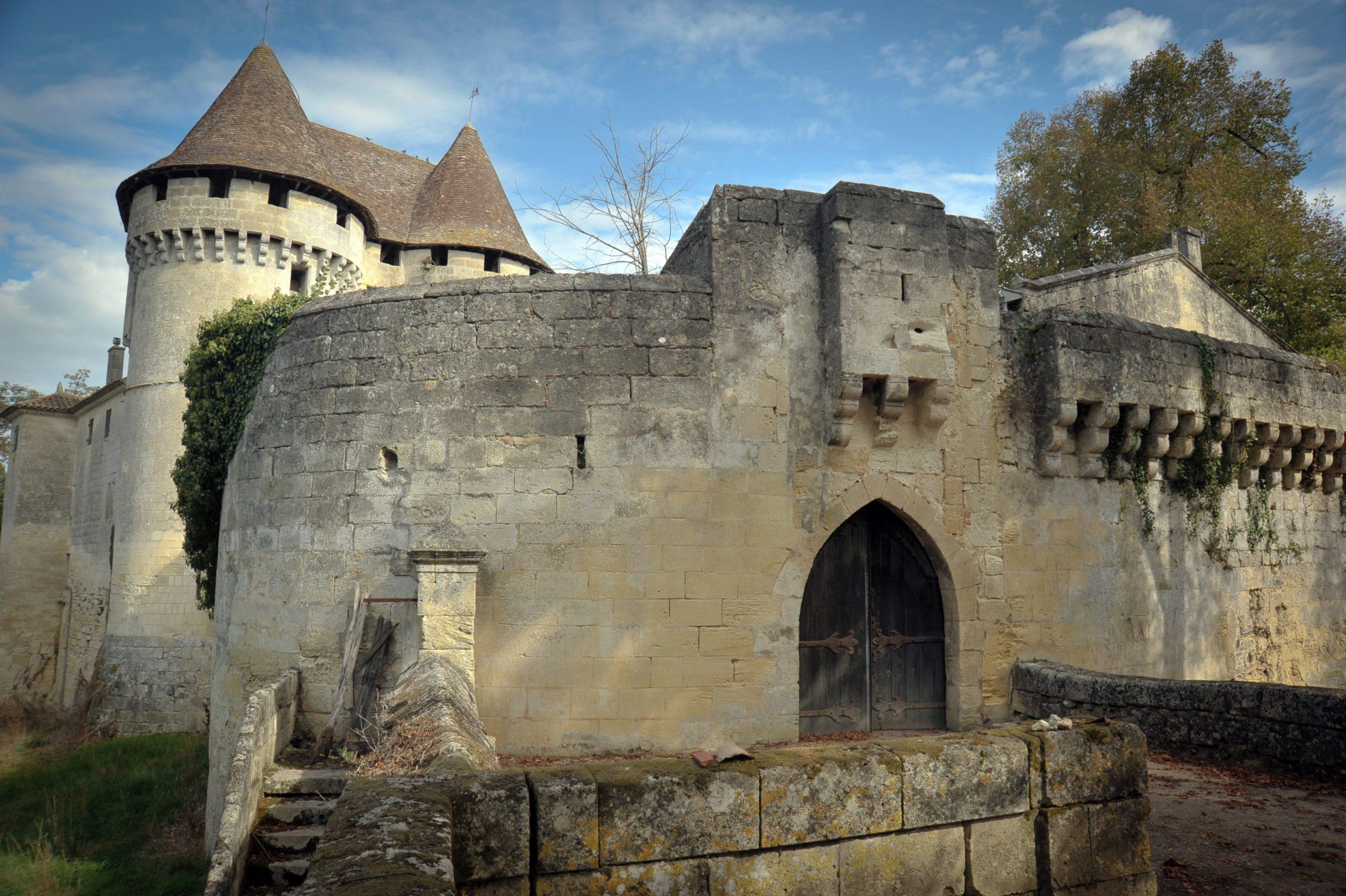 DAIGNAC – Grand Château de Pressac 1