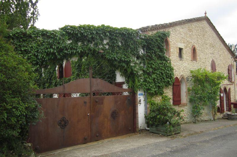 De Bortoli 12 pax -façade entrée small
