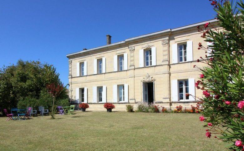 Domaine-de-la-Gravette-Chambre-d-Hotes-Cubnezais-Chambre-maison-800×600