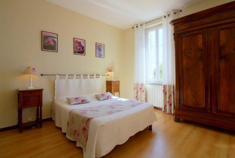Domaine-de-la-Gravette-Chambre-d-Hotes-Cubnezais-Chambre-sauvignon-800×600