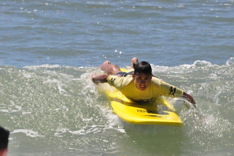 Ecole surf- Boco – Lacanau – surfeur