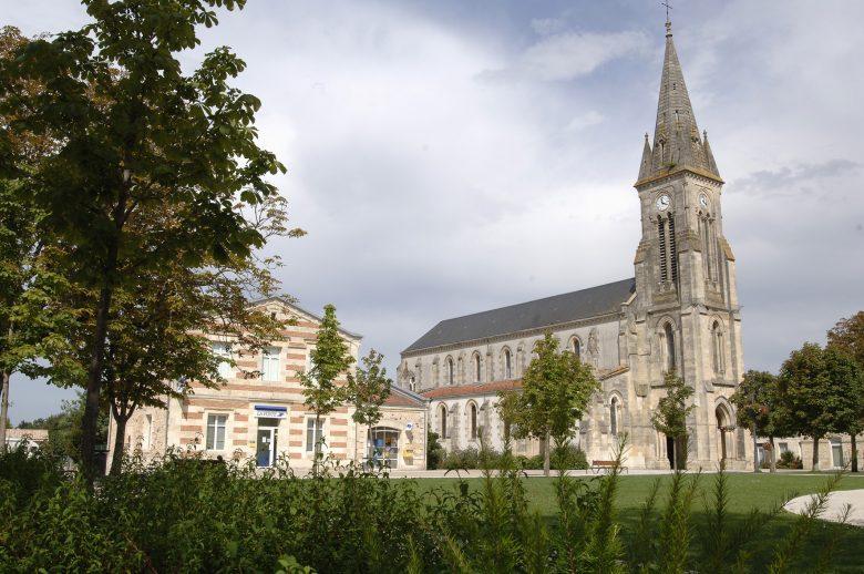 Eglise Sainte-Hélène de Hourtin