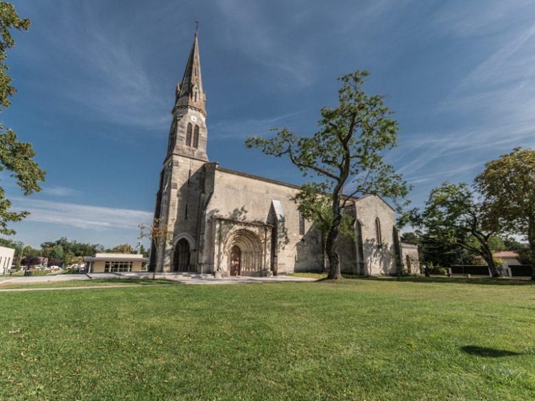 Eglise-de-St-Germain-d-Arsac-et-son-porche1