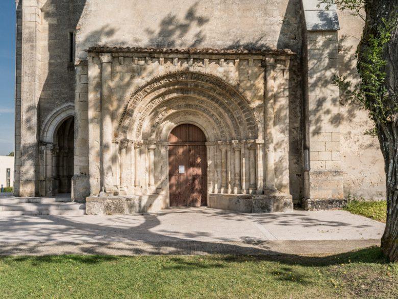 Eglise-de-St-Germain-d-Arsac-et-son-porche2