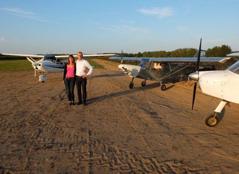 Emmanuelle-et-Bertrand-avion