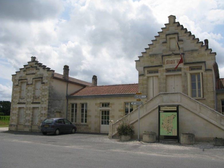 Ensemble mairie-école Saint Girons