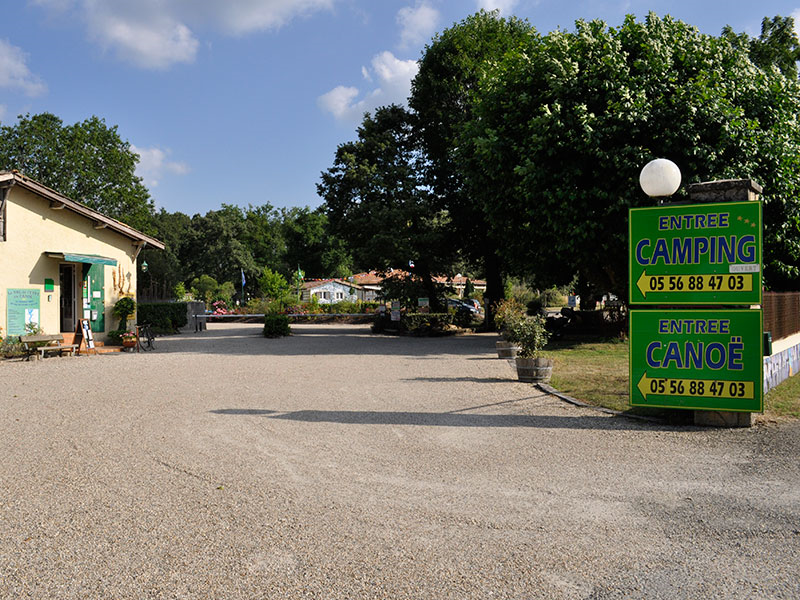 Entree-camping-parc-Val-de-l-Eyre