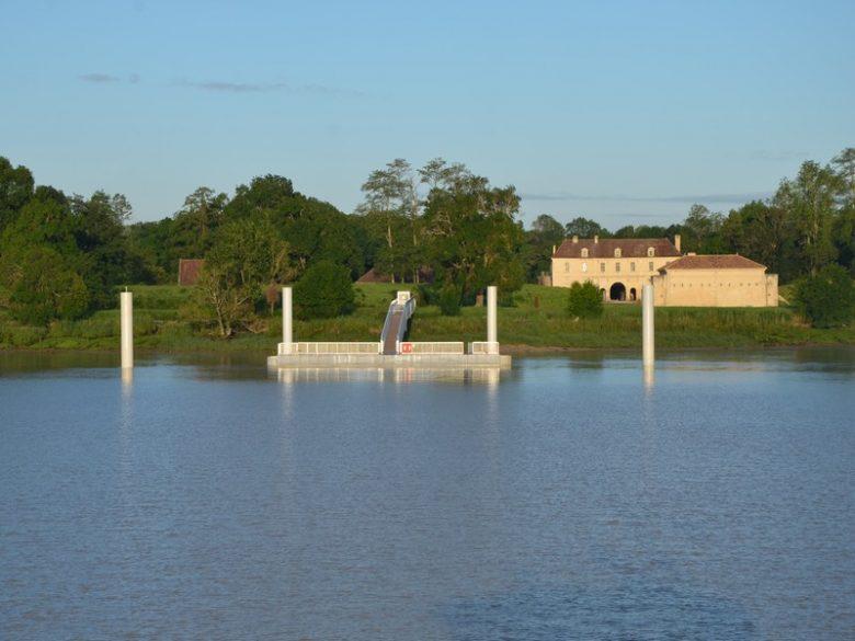 Fort Médoc et ponton vus de l'estuaire 800×600