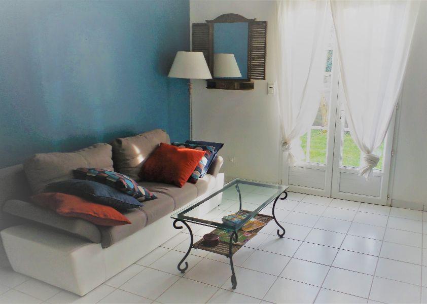 Gite-Beusnard-aubie-espessas-salon-800×600