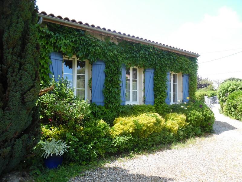 Grand Gîte de Fenouil_Loc saisonnière_Civrac de Blaye_Façade_800x600