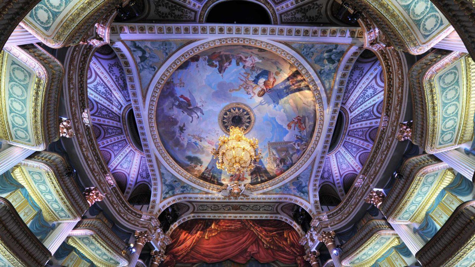 Plafond de la salle de spectacle du Grand-Théâtre