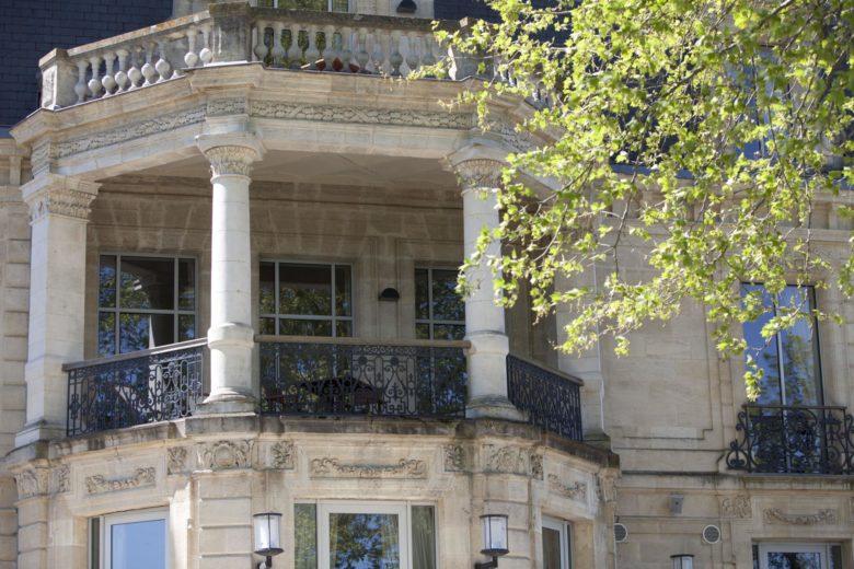 Grattequina chambre avec balcon d'honneur