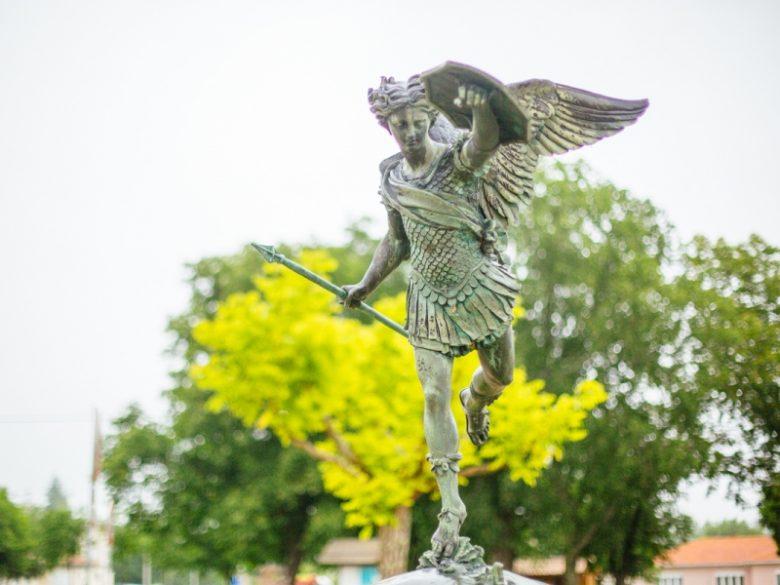 Grignols – statue Saint Michel