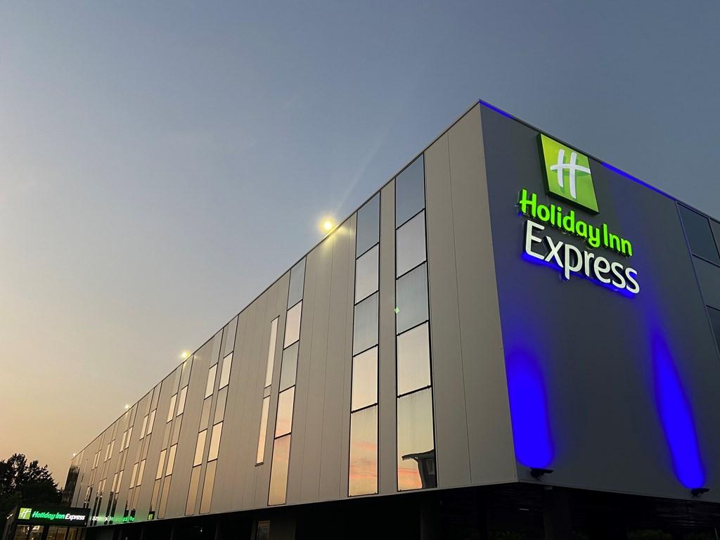 Hôtel Holiday Inn Express 1