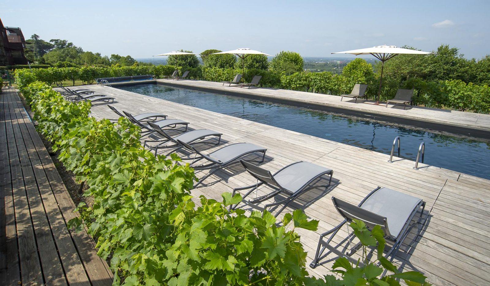 Hotel-STJ-Piscine-10—Droits-Veronique-Vedrenne