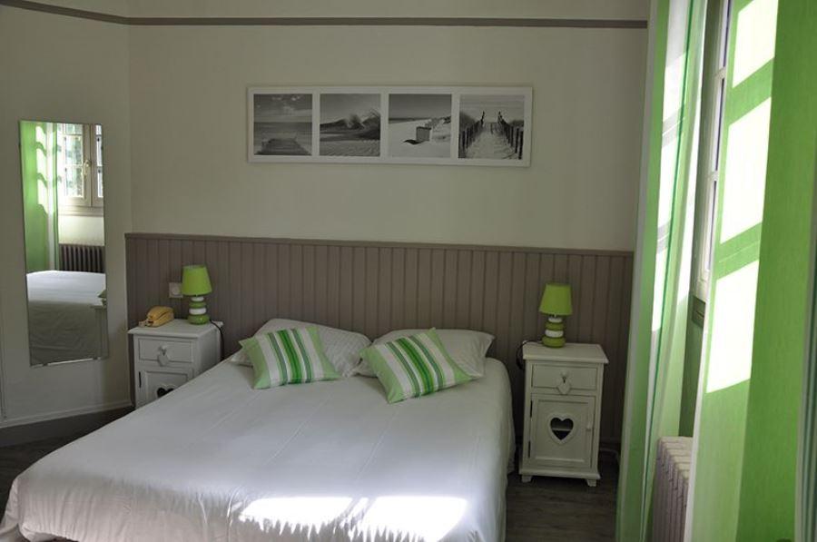Hotel-Ttiki-etchea—chambre-1-2