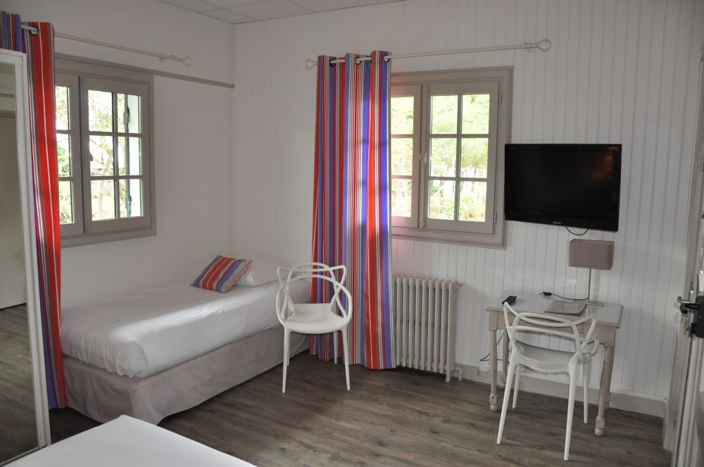 Hotel-Ttiki-etchea—chambre-2-2