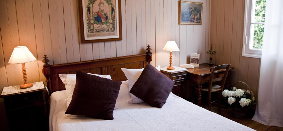 Hotel_des_Pins (2)