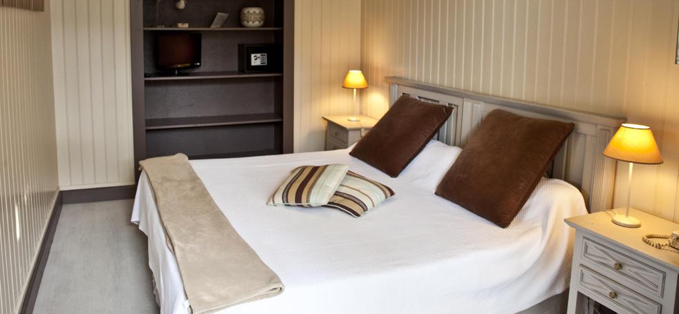 Hotel_des_Pins (3)