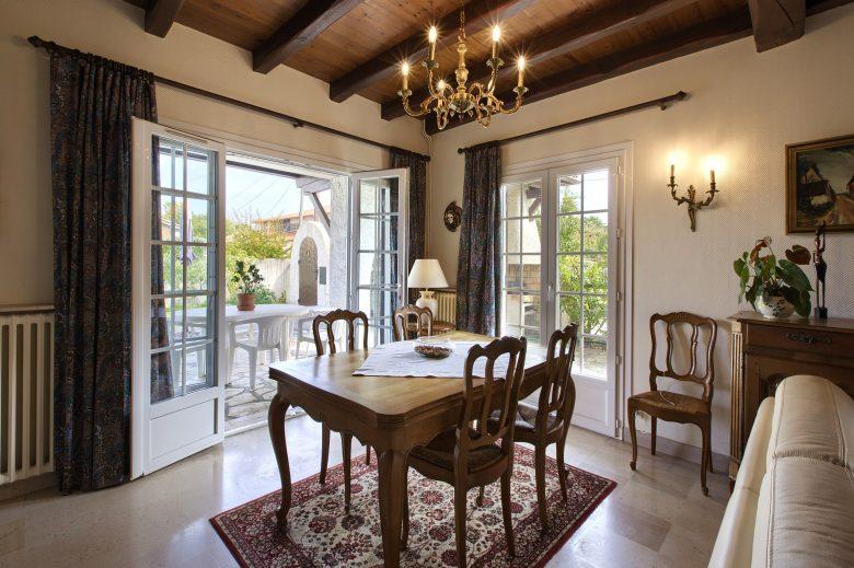Chambre hôtes Biensan Salle commune Arès
