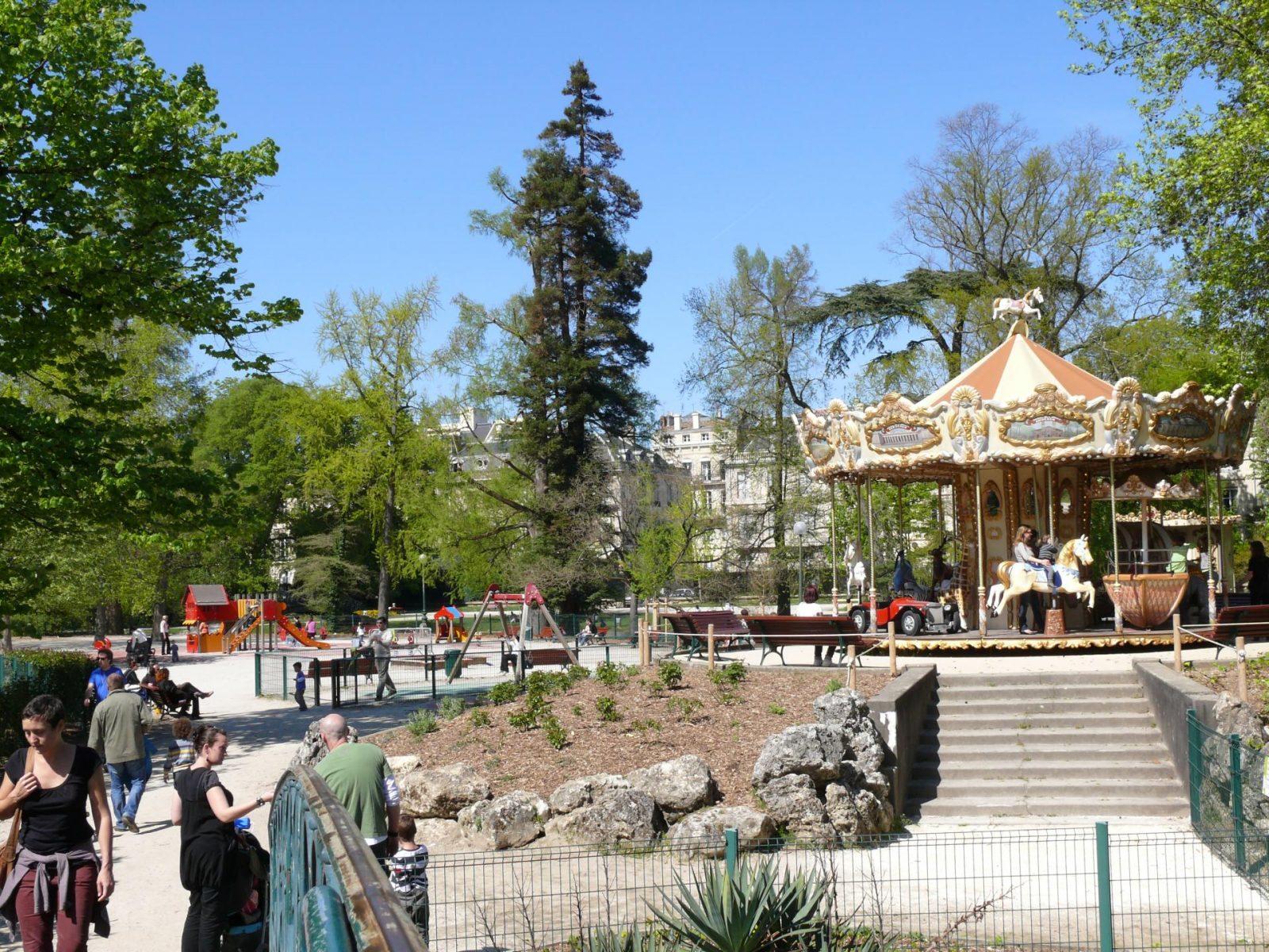 Jardin Public, le manège