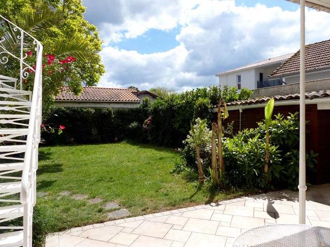 Jardin-detente—location-vacances-Ares–M-Gueret-