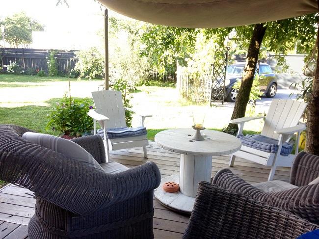 L'air du temps – chambres d'hôtes – terrasse – Arès ©Valérie Urtizverea –