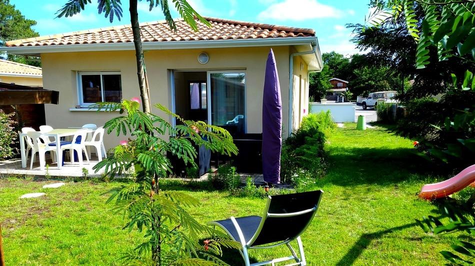 LMDV-01-Location-Maison-De-Vacances-Piscine-Naturellement-Bassin-Meuble-Tourisme-3-Etoiles
