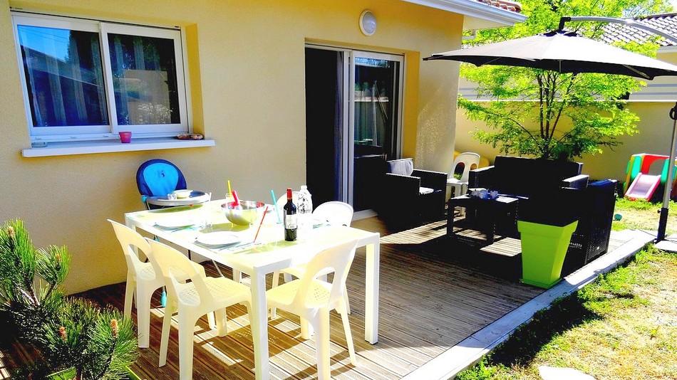 LMDV-09-Location-Maison-De-Vacances-Piscine-Naturellement-Bassin-Meuble-Tourisme-3-Etoiles